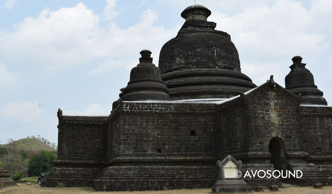 The bulky temples of Mrauk U look very different from the ones in Myanmar