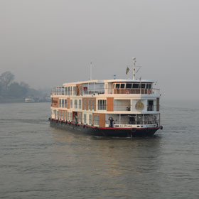 Cruise on the Irrawaddy River